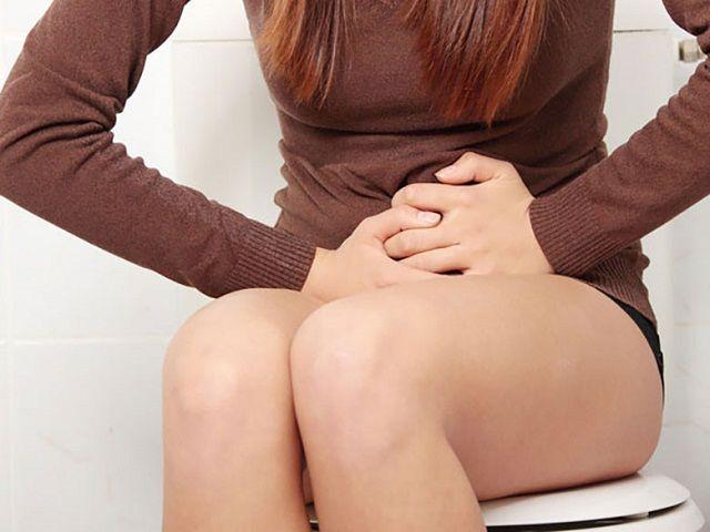 Triệu chứng viêm phụ khoa gây đau sâu âm đạo