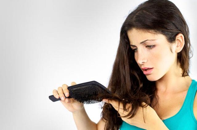 Rụng tóc sau sinh và phương pháp điều trị tốt nhất hiện nay