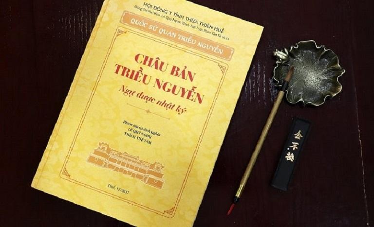 Cuốn sách Châu Bản triều Nguyễn